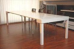 tavolo consolle allungabile in frassino bianco cm 90 o 110 di larghezza aperto cm.300 prezzo offerta 450 euro