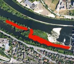 Schwemminsel nach dem Rückschnitt: Im roten Bereich ist die Vegetation vollständig entfernt worden. Quelle: Google Earth.