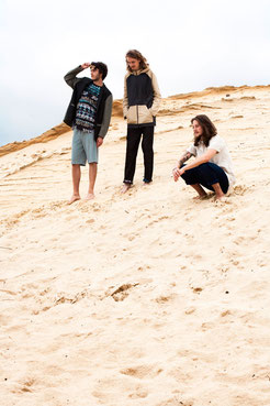 apollo-artemis, mode, design, nachhaltig, handgemacht, foto, shooting, model, sand, wüste