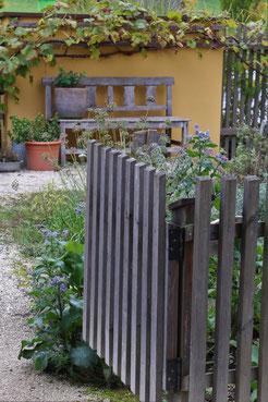 offene Gartentür