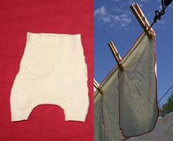 couches lavables de nos grands-mères: lange à plier et culottes de protection en laine