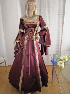 Edle Mittelalter Robe in Weinrot - Einzigartiges aus dem Gewandatelier Mittelalter-Fashion