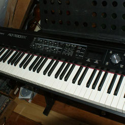 ROLAND RD 700 GX STAGE PIANO