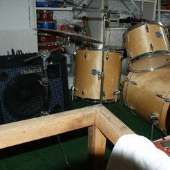 ROLAND KEYS AMP & YAMAHA DRUMS