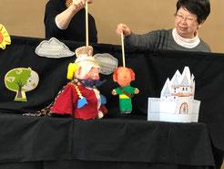 ユニークなお人形たち。皆手作りですよ。