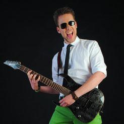 Tobi - Gitarre & Vocals