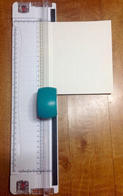 Schneidmaschine mit praktischen Rillen zum Abmessen