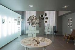 2017年フランス・サンティティエンヌ国際デザインビエンナーレにおいて写真展を開催。