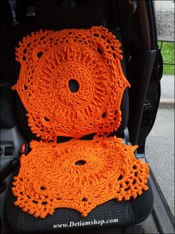 Вязанный коврик из шнура