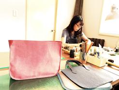 東京のレザークラフト(革)教室ヨコハマセリエ 作業