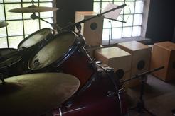 Schlagzeug und Cajones