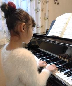 札幌市北区拓北にある「はるピアノ教室」ではピアノレッスンとソルフェージュでたっぷり45分レッスン!