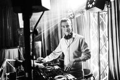 Hochzeits DJ Bonn,  DJ für eure Hochzeit in Bonn, Alfter, Rhein-Sieg inkl. modernster Ton- und Lichttechnik