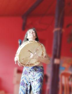 tocar tambor, poder, voz, oração