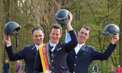Championat der Berufsreiter Bad Oyenhausen. Die drei Medaillenträger: rechts Michael Kölz, der Bronze gewann. Foto: Susanne Müller