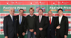 Bei der Pressekonferenz (Foto: Pantel)