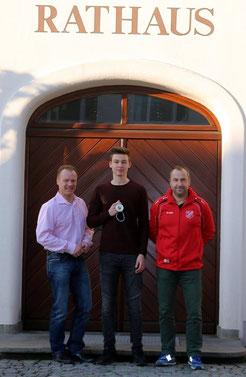 Bgm. T. Wörz, Fabian Haas, TSV Vorst. M. Schuster
