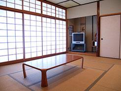 広島YMCA 宿泊 研修 合宿 冠の間 10畳和室