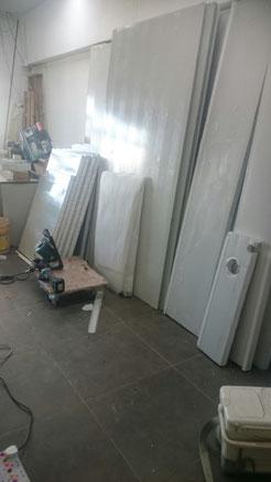 劏房用彩鋼板分間,方便、快捷、環保 劏房裝修:彩鋼板間