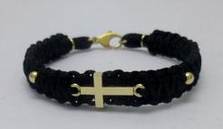 Makramee-Armband mit Kreuz