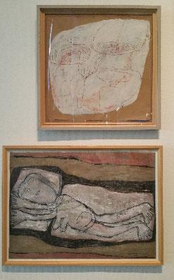 Twee tekeningen in het Cobra museum van Madeleine Kemenie-Szemere. De bovenste met twee kleine kinderen, zachtrose krijt op wit papier. De onderste tekening een liggende vrouw, naakt, op lakens en kussen, met globaal daarom heen de vorm van haar bed