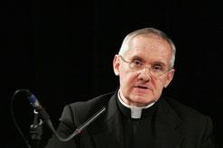 Kardinal Tauran wurde 2011 von Papst Benedikt XVI. als Kardinalprotodiakon bestätigt und gilt seither als absoluter Spitzendiplomat des Heiligen Stuhls.