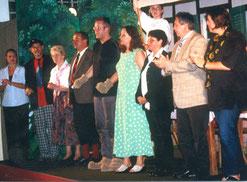 die Akteure von unserem ersten Stück waren: Norbert Schäfer, Ute Schäfer, Dirk Behling, Silvia Fuchs, Ramona Zeller, Carmen Zeller, Martina Buczek, Claudia Amend, Johannes Aschauer, Rüdiger Zeller, Willi Zeller, Wilma Zeller