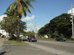 パラオは人口約2万人の田舎の国。道には信号は一つも無い。