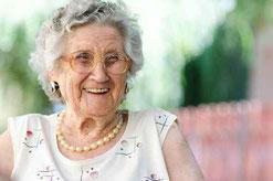 Christine Bertram Seniorenbegleitung |  fotolia © Hunor Kristo