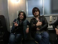共演バンドのギタリスト、中園さん♪ヨシ兄と同級生らしい。素晴らしいギターセンスとか、グダグダした…(おっと失敬!)ほんわかオーラとか。とてもよく似ているね(笑)