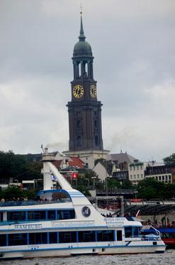 """Hamburg Hafen mit """"Michel"""""""