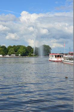 Hamburg: Am Jungfernstieg