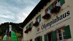 Garmisch-Partenkirchen liegt am Fuße der Zugspitze