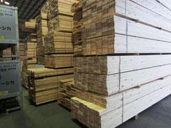 原料となる木材ー徳島県からの杉材