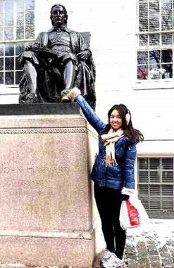 長女・百合さんはアメリカの大学に通っている。