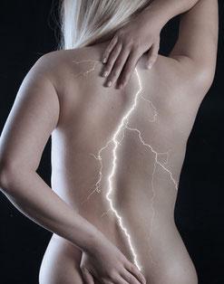 26719417 - Rückenschmerzen © Imagebroker