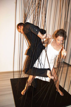 Performance ATRAPADA. De Ángeles Martínez