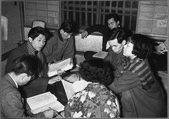 昭和29年冬頃の読み合せ風景