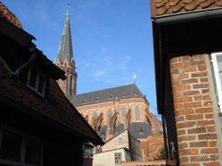 Blick zur Nicolaikirche