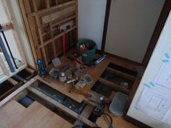 洗面台と洗濯機周辺の給排水設置