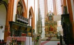 聖エリザベス教会の主催壇