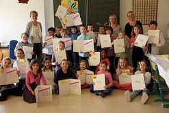 Die SchülerInnen mit ihren Zertifikaten