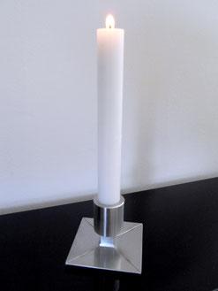 Schlichter Kerzenständer aus Edelstahl