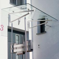 Vordach Edelstahl und Glas