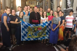 Gruppenfoto mit Bischof Rudolf Voderholzer