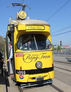Die Wiener Ringbahn bei Kaiserwetter