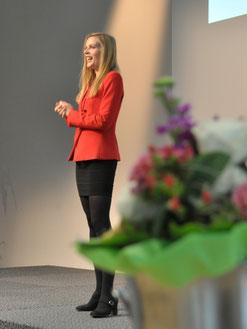 Vera Mickenbecker beim Führungskongress der Familienkasse der Bundesagentur für Arbeit