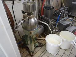 Séparation du lait de et la crème de la  Ferme Durr Biolacte