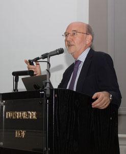 Univ.-Prof. Dr. med. Jean Krutmann referierte zur Feinstaubbelastung als Faktor der extrinsischen Hautalterung.  (Fotos: aadi)