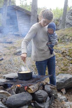 Kochen in der Wildnis am Feuer - für alle ein Erlebnis